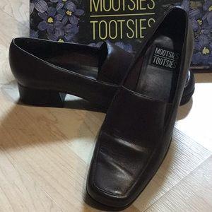 Mootsies Tootsies